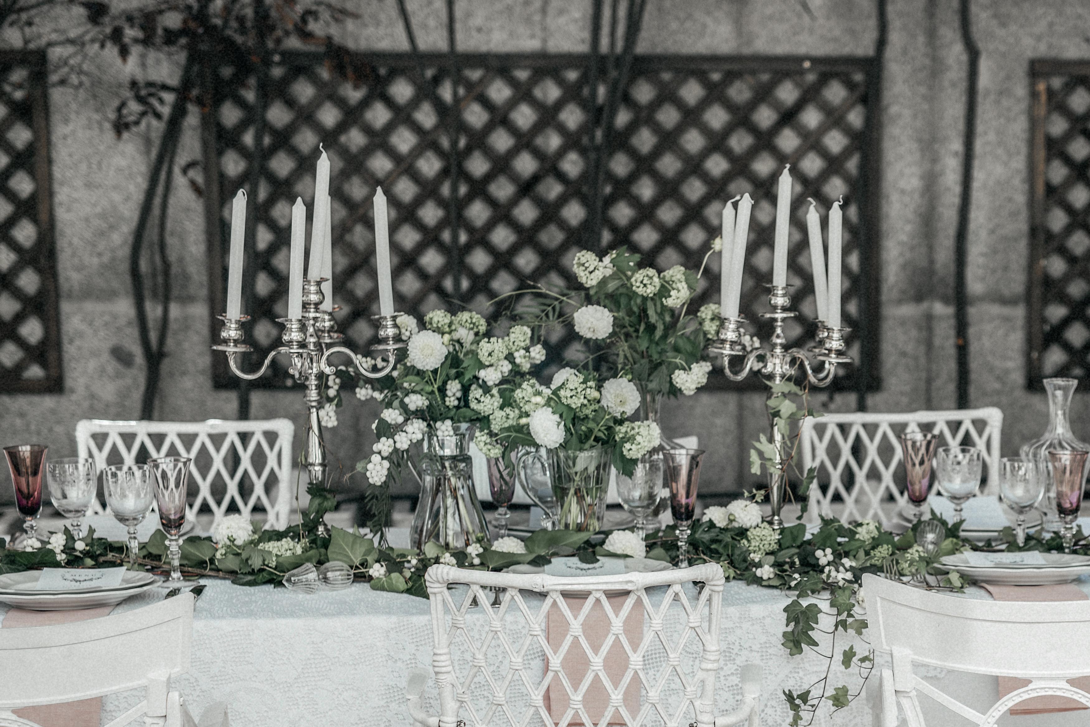 Mesa de inspiración provenzal en el Hotel Miguel Angel por Wedding Style Magazine. Foto: Quique Magás