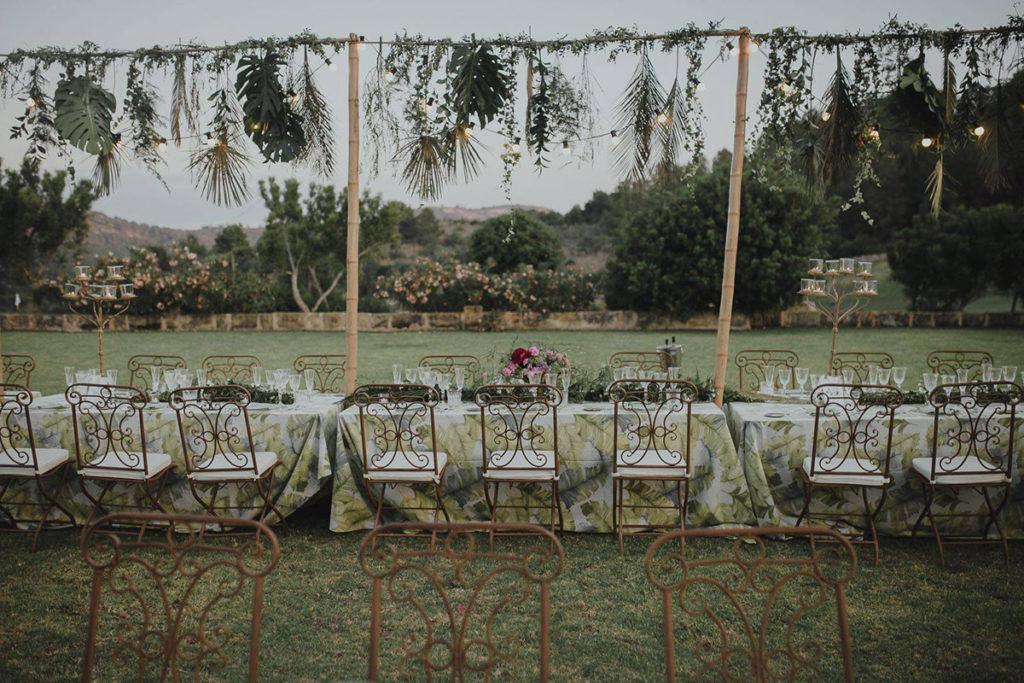 Decoración de la mesa de boda con manteles de Mantel Room