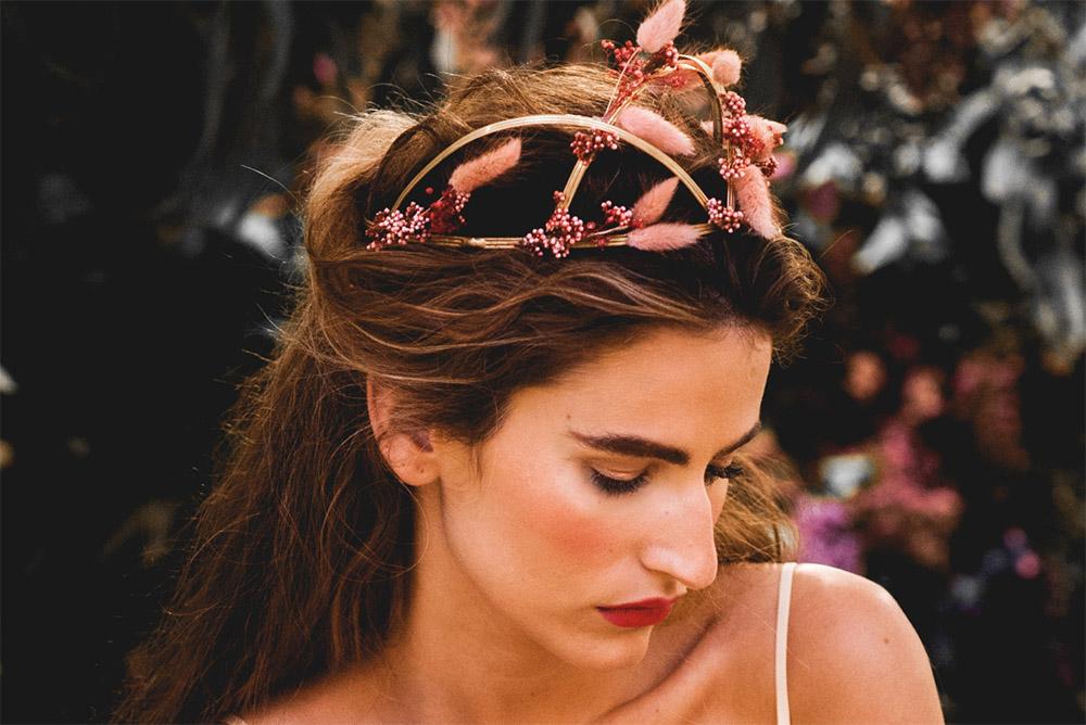 tocados-diadema-mimoki-blog_de_bodas-wedding_style_magazine