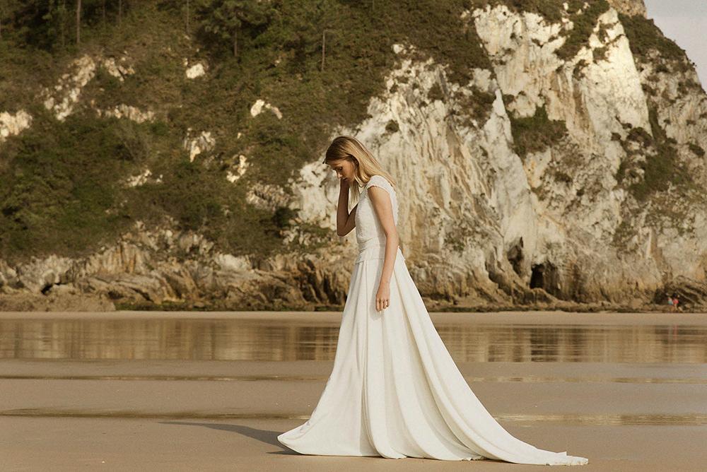claudia_llagostera-playa-vestido_de_novia-playa-blog_de_bodas-wedding_style_magazine