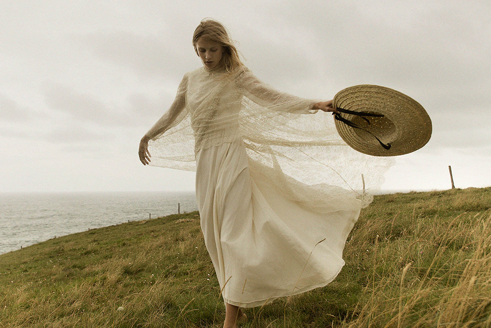 claudia_llagostera-vestido_de_novia-sombrero-blog_de_bodas-wedding_style_magazine