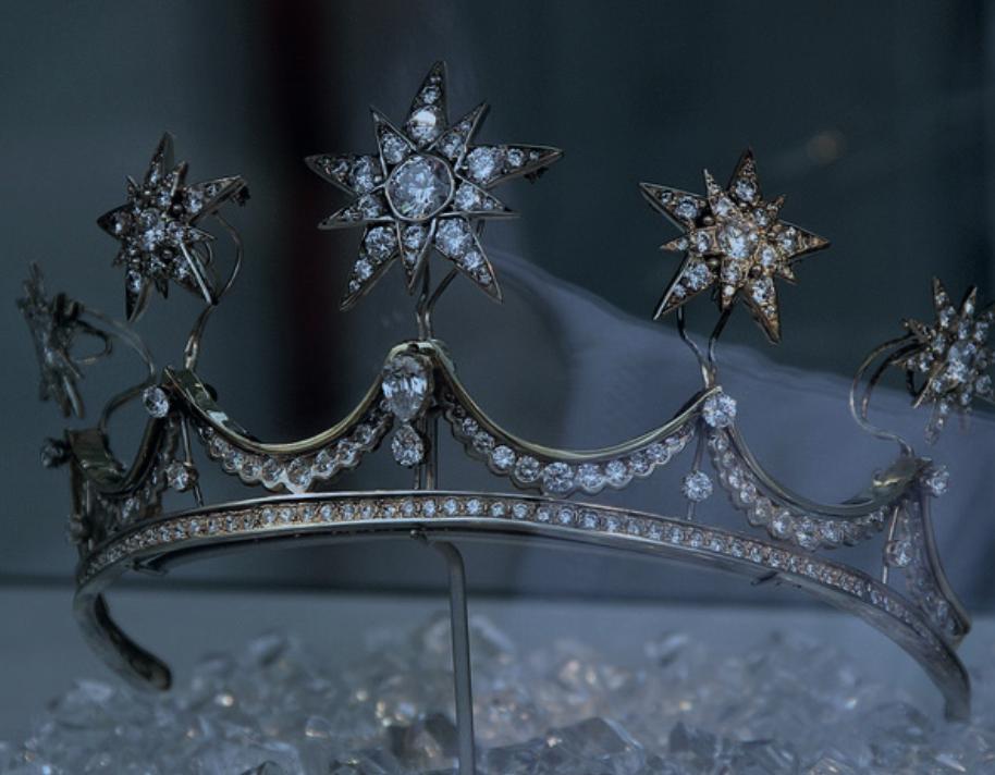 coronas-novias-tiara_estrellas-blog_de_bodas-wedding_style_magazine
