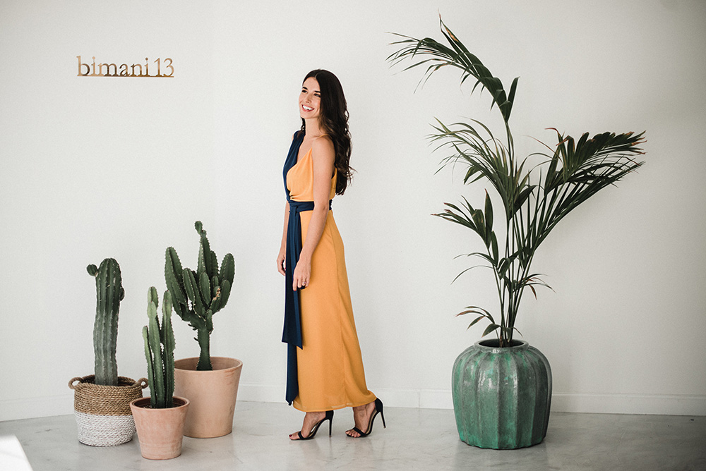 Bimani_13-vestido_mostaza_azul-laura_corsini-blog_de_bodas-wedding_style_magazine
