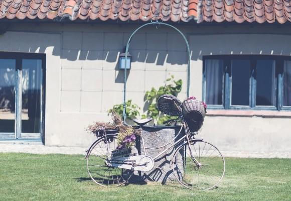 Elena Bau garden party finca aldeallana bicicleta - wedding style magazine