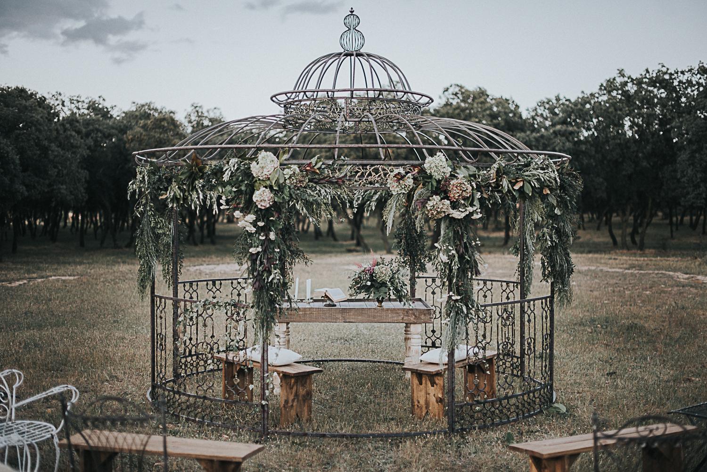 Una_boda_en_el_bosque_wedding_style_magazine_editorial_revista_de_novias04