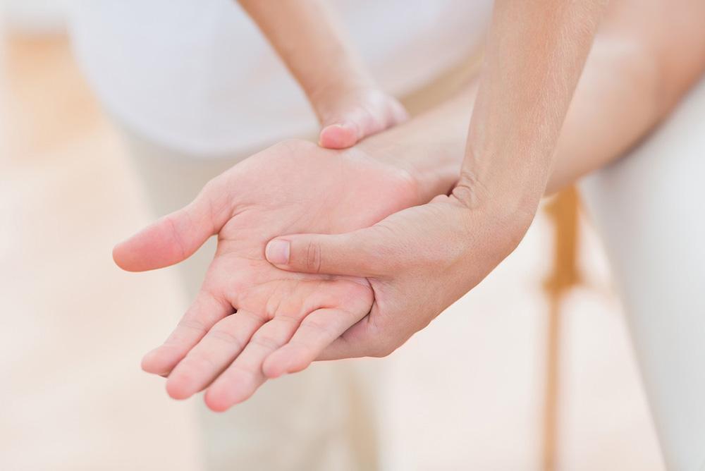 Tratamientos de belleza para novias: manicura