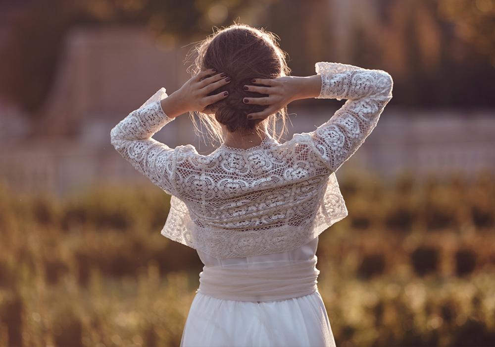 cottonnus-vestidos_de_novia-espalda_mao-blog_de_bodas