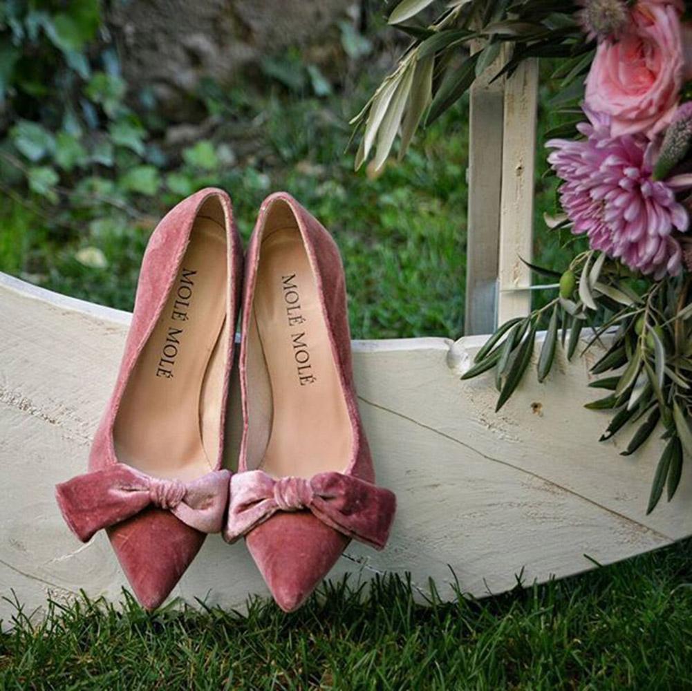 zapatos_con_lazos-rosa-mole_mole_shoes-tendencias-novias-blog_de_bodas