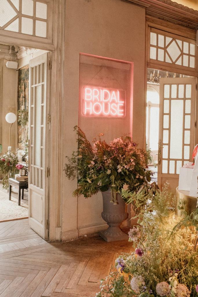 Bridal House Entrada